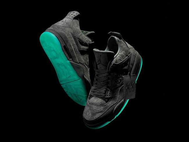 Air Jordan 4 KAWS Cool Grey Glow Release