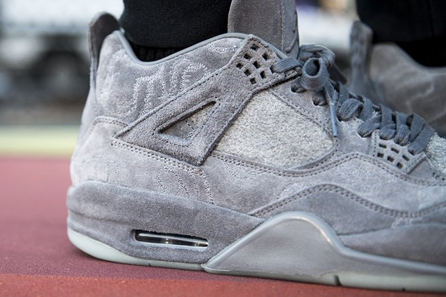 KAWS x Air Jordan 4 - Cheap Air Jordan - Jordangogo.com