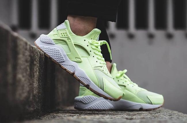 Nike Air Huarache Barely Volt 634835-702 | SneakerFiles