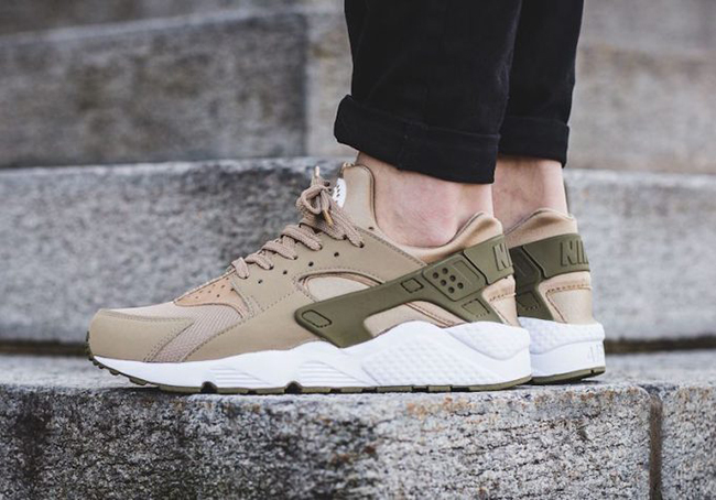 nike air huarache khaki medium olive 318429 200 sneakerfiles. Black Bedroom Furniture Sets. Home Design Ideas