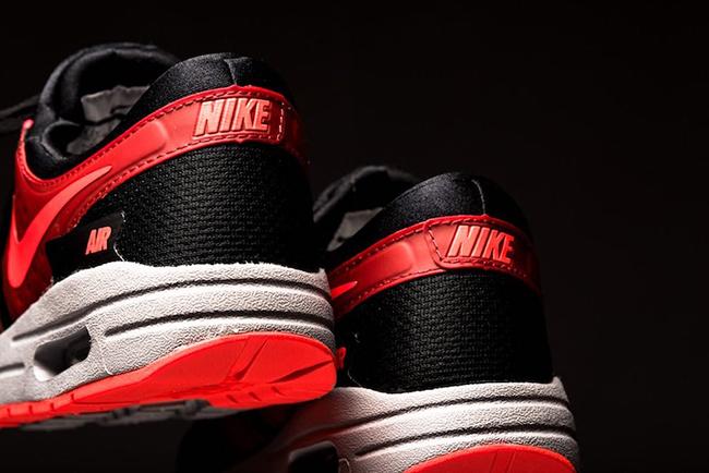 Nike Air Max Zero Essential Bright Crimson Black