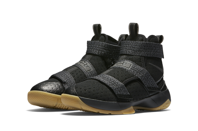 Nike LeBron Soldier 10 FlyEase Black Gum Kids