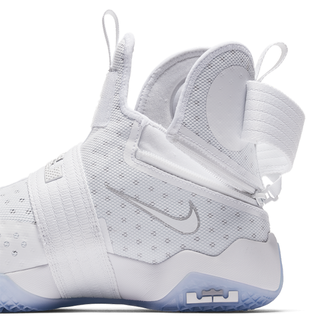 Nike LeBron Soldier 10 FlyEase White Silver