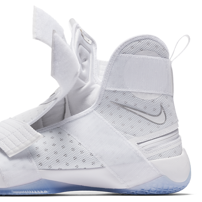 Nike LeBron Soldier 10 FlyEase White Silver