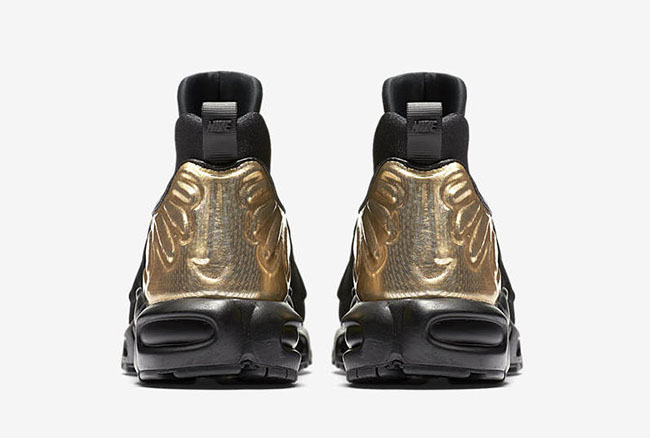 Nike WMNS Air Max Plus Slip Black Metallic Gold