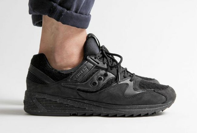 9427a1312a37 Saucony Grid 8500 Weave Triple Black