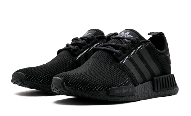 ADIDAS NMD R_1 TRIPLE BLACK