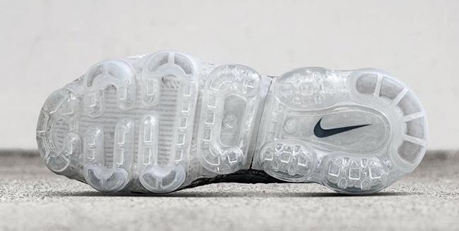 Asphalt Nike Air VaporMax