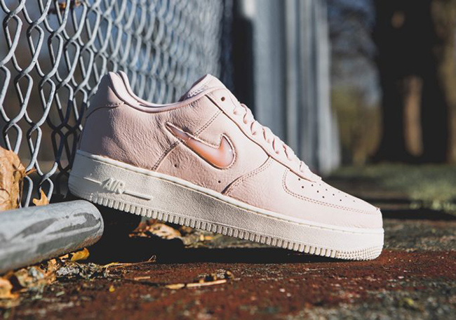Nike Air Force 1 Low Jewel Silt Red