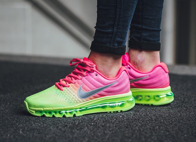 finest selection 5e5ef 88d16 Nike Air Max 2017 Racer Pink Ghost Green