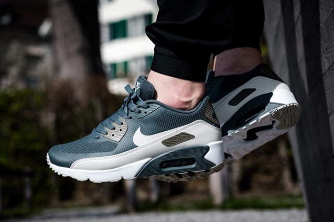 Nike Air Max 90 Ultra 2.0 Essential 875695 004 | Black