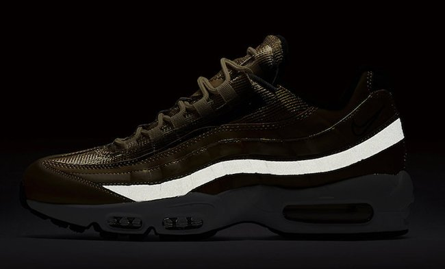 Nike Air Max 95 Metallic Gold 918359-700