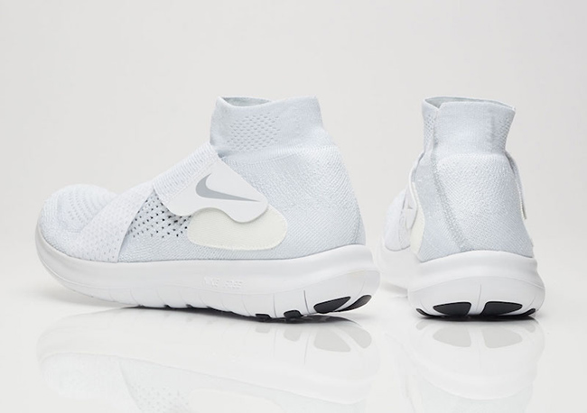 Nike Free Run Motion Flyknit 2 Triple White