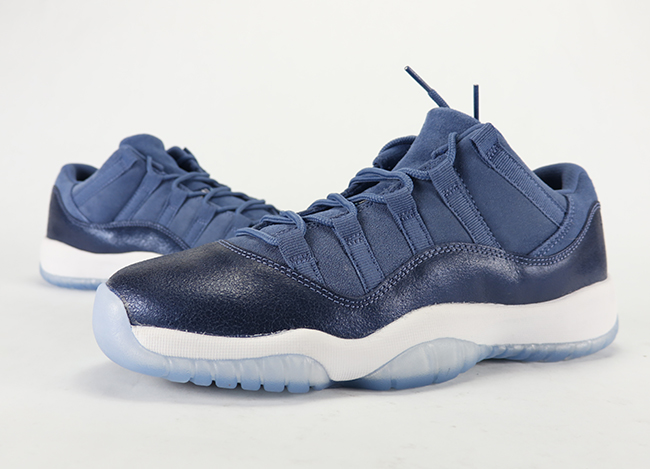 Video: Air Jordan 11 Low GS 'Blue Moon'