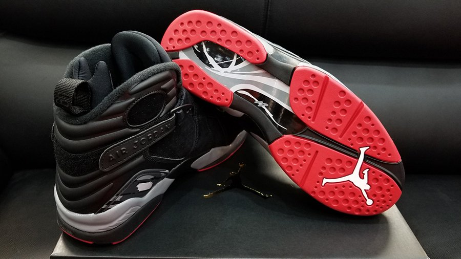 Air Jordan 8 Bred 305381-022