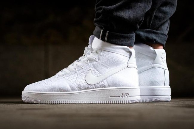 Arancel ex Dureza  Nike Air Force 1 Ultra Flyknit Mid Triple White 817420-102 | SneakerFiles