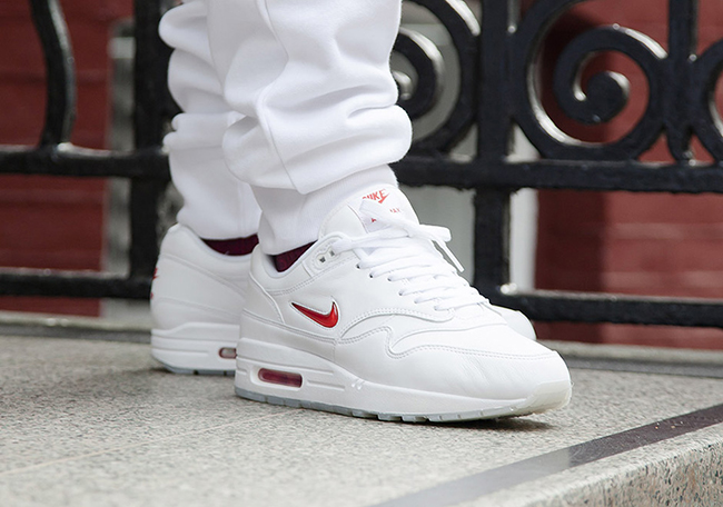 Nike Air Max 1 Jewel Swoosh White Red 2017 Retro