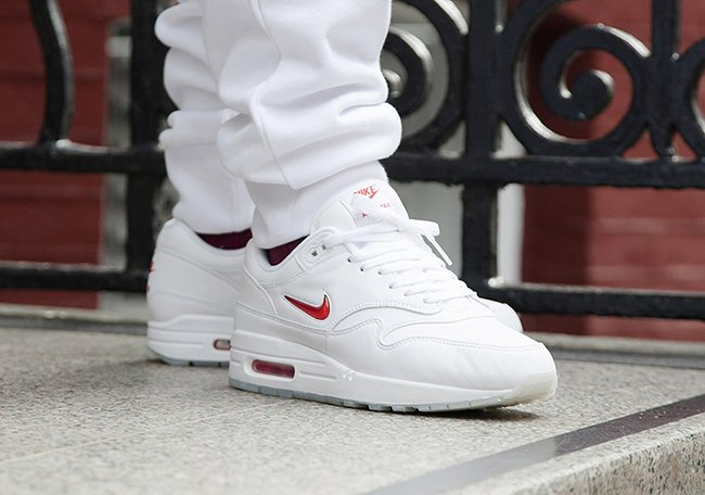 save off b14b6 bbfa2 Nike Air Max 1 Jewel Swoosh White Red 2017 Retro