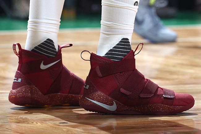 Nike LeBron Soldier 11 Cavs PE