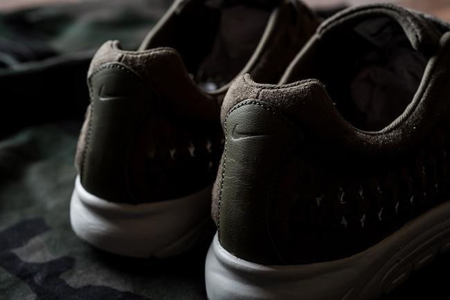 Nike Mayfly Woven Medium Olive