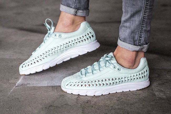 Nike Mayfly Woven Pastel Pack