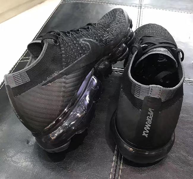 Triple Black Nike Air VaporMax 849557-006