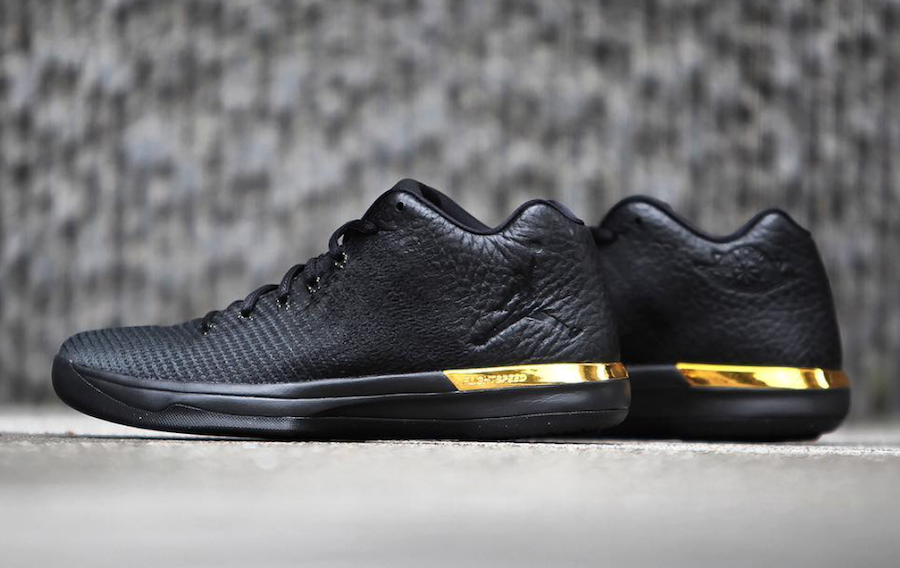 Air Jordan XXX1 Low Black Gold 897564-023