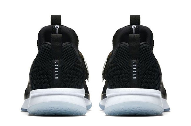 172549ad2bf4 Jordan Trainer 2 Flyknit Low Black Ice 921210-010
