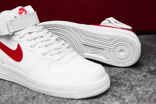 Examinar detenidamente Yo A bordo  Nike Air Force 1 Mid 07 Sail University Red | SneakerFiles