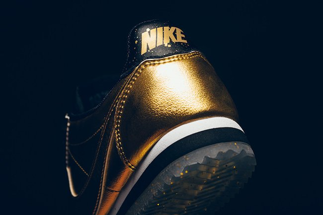 Nike Cortez Metallic Gold