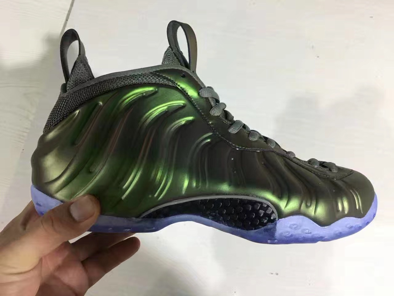 size 40 a84c9 15f6c Nike Foamposite One Shine Dark Stucco AA3963-001