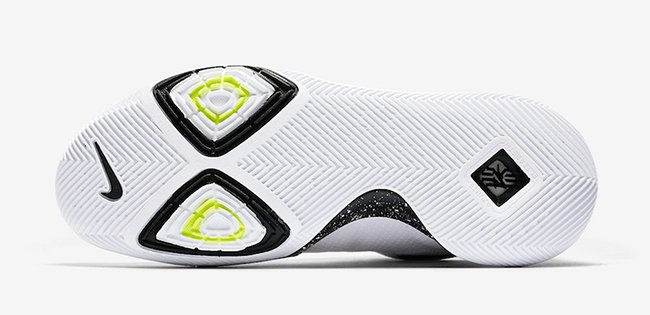 Nike Kyrie 3 White Black Release Date