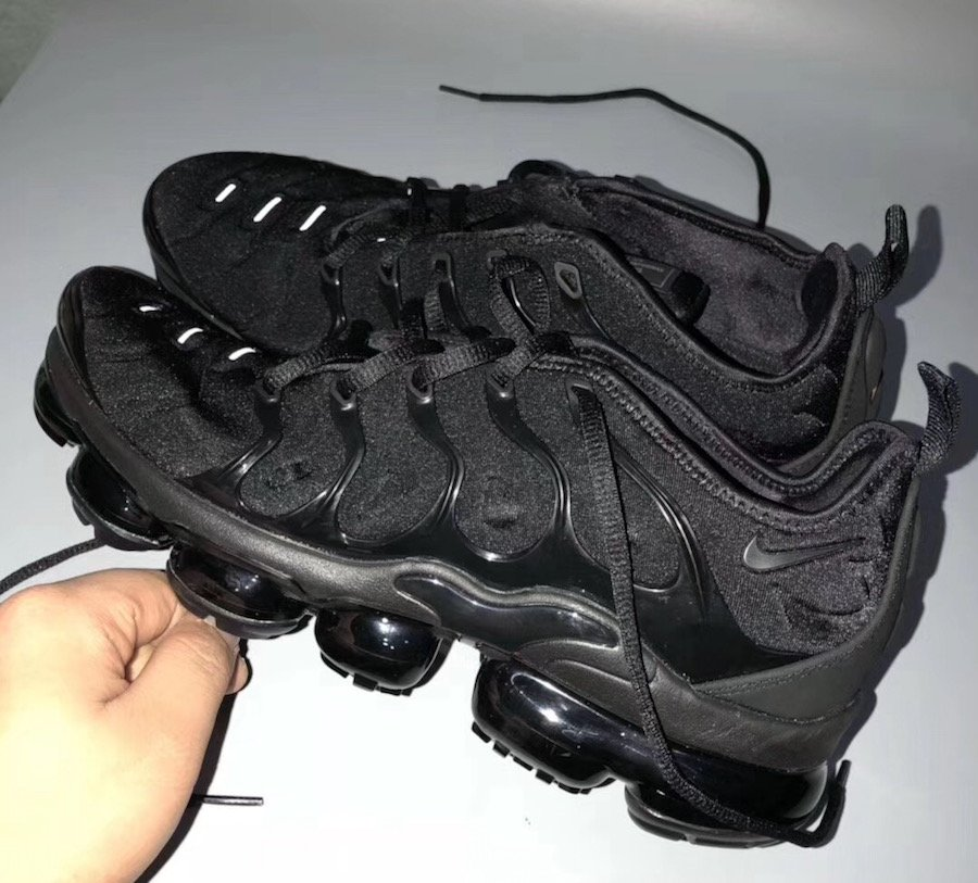 2cc2f1bf8cf Nike VaporMax Plus Colorways Releases