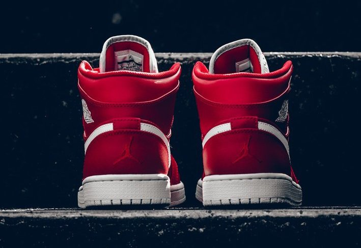 Air Jordan 1 Mid Gym Red White 554724-600