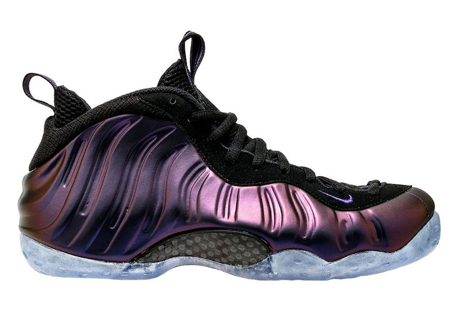 https://www.sneakerfiles.com/wp-content/uploads/2017/07/nike-foamposite-one-eggplant-2017-314996-008-2.jpg