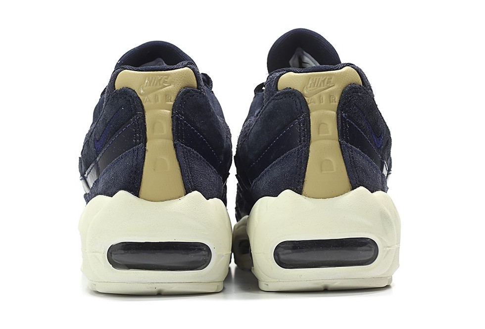 Nike WMNS Air Max 95 Premium Dark Obsidian Midnight Navy Sail 807443-400