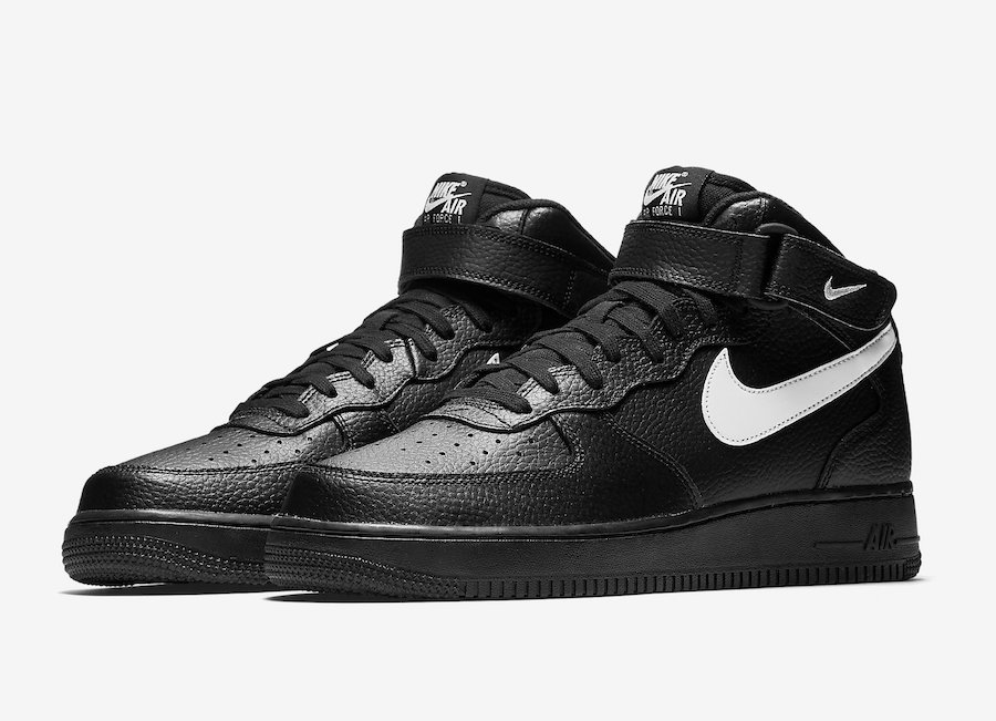 nike air force 1 07 mid black and white