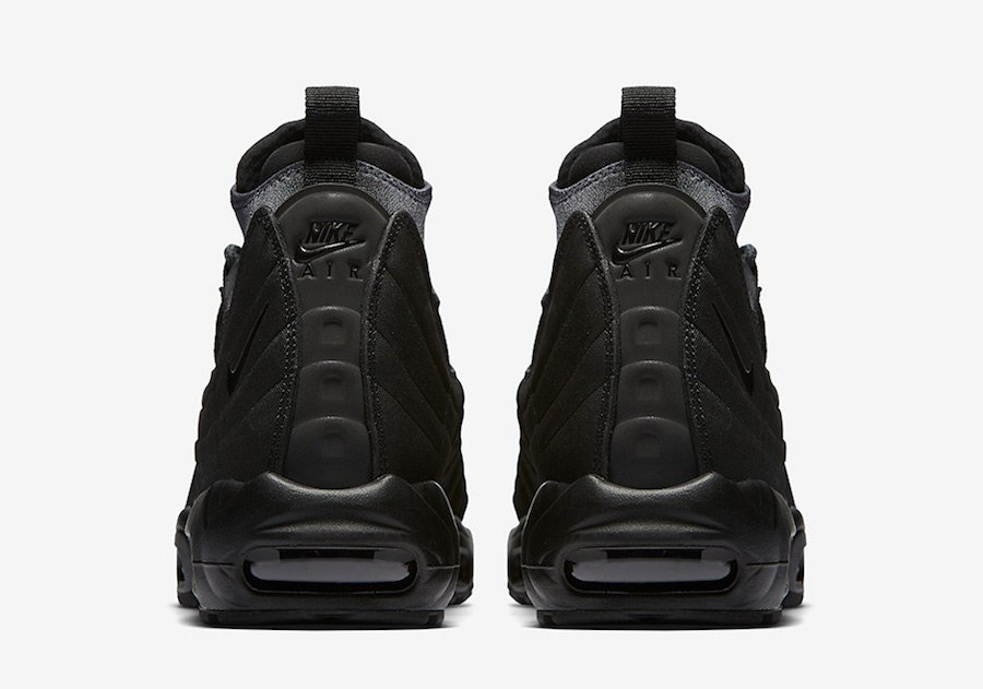 air max 95 sneakerboot triple black