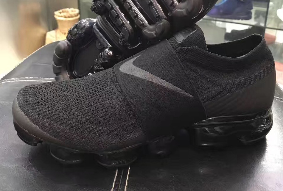 Nike Air VaporMax 2018 Triple Black Strap AH3397-004