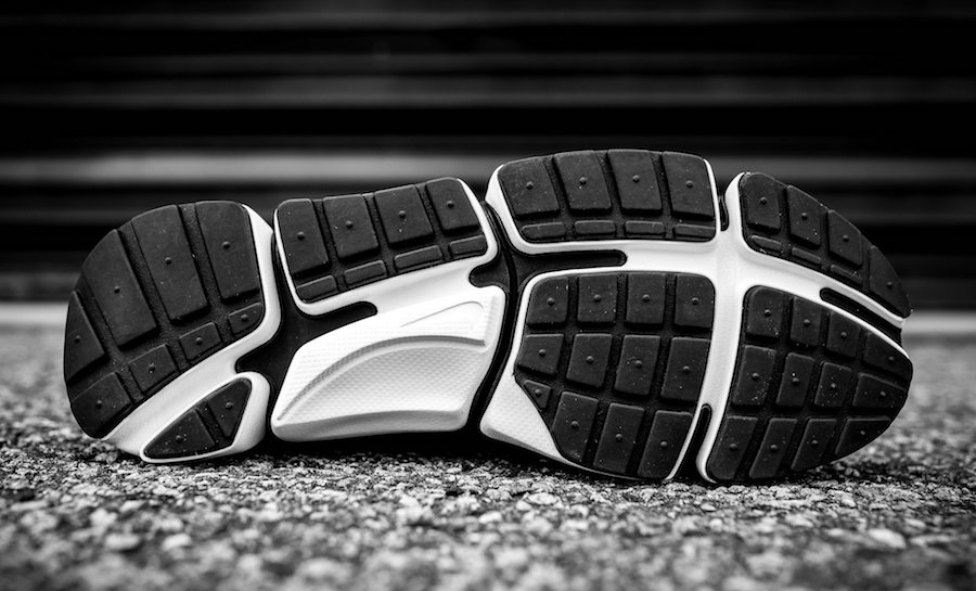 new product 19213 abada Nike Pocket Knife DM Black White 898033-001  SneakerFiles