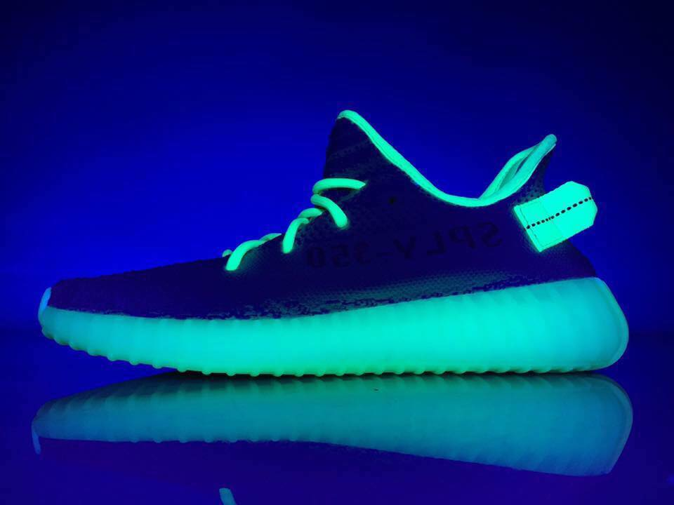 Yeezy Boost 350 V2 Semi Frozen Yellow Glow in the Dark