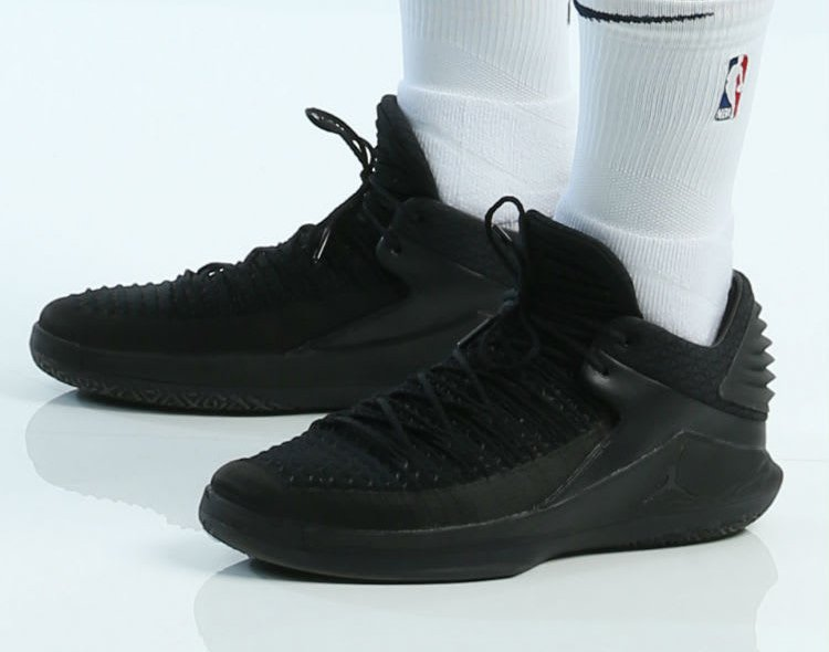 Air Jordan 32 Low Triple Black
