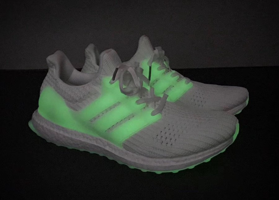 huge discount dc7d9 da2d4 adidas Ultra Boost 4.0 Glow in the Dark Release Date ...