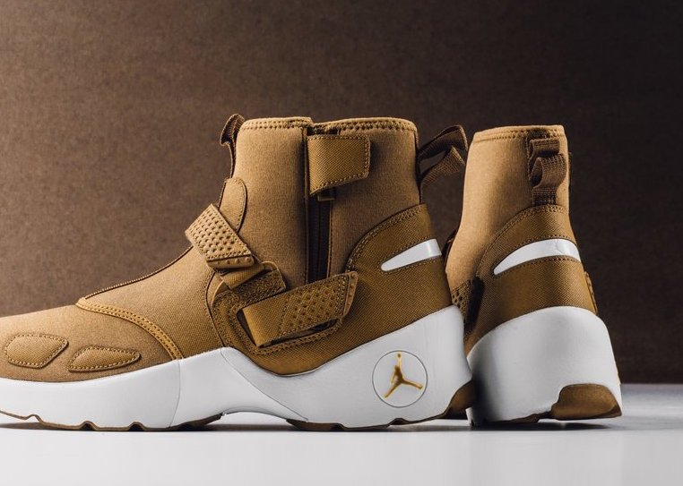 Jordan Trunner LX High Wheat AA1347-725