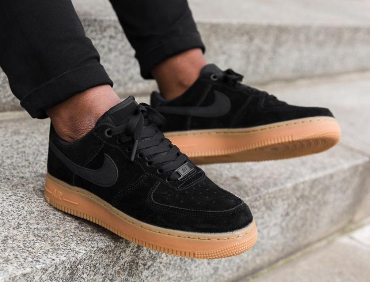 Grabar Gratificante exótico  Nike Air Force 1 07 SE Black Gum AA0287-002 | SneakerFiles