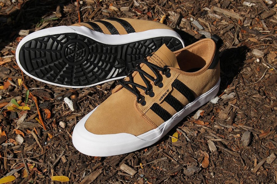 low priced f1af7 2e9d0 adidas Seeley Outdoor Mesa Black BY4106