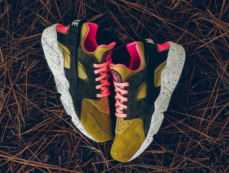 Nike Air Huarache Premium Desert Moss