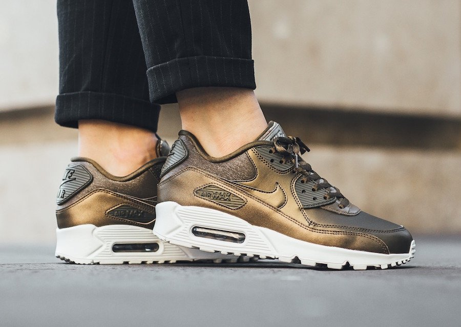Nike Air Max 90 Metallic Field 896497-901 | SneakerFiles