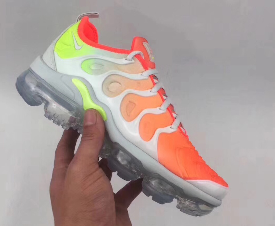 b05bf5ee61 Buy nike air vapormax plus womens orange > Up to 77% Discounts