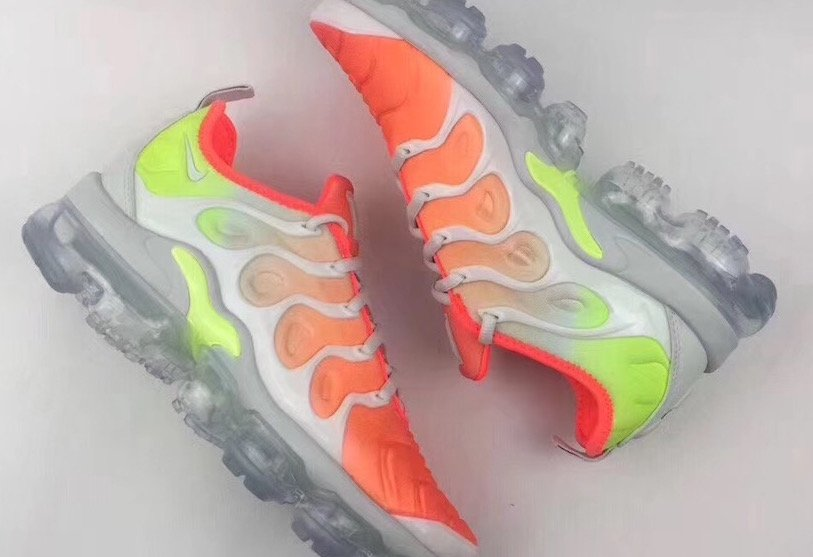 low priced 8fbe6 19da6 Nike VaporMax Plus Colorways Releases | SneakerFiles